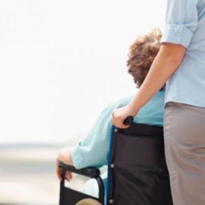 La dedicación y el cuidado por parte de un familiar es muy frecuente en nuestra sociedadad