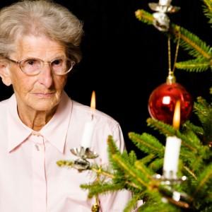 Si tienes una persona mayor en casa en Navidad hazle sentir protagonista e importante