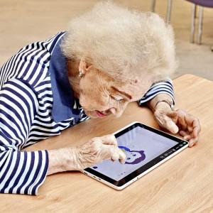 Los videojuegos contribuyen a mantener o fomentar algunas capacidades físicas y cognitivas de los mayores.