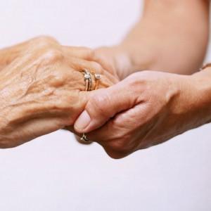 Los mayores con cáncer tienen unas inquietudes a las que debemos estar atentos.